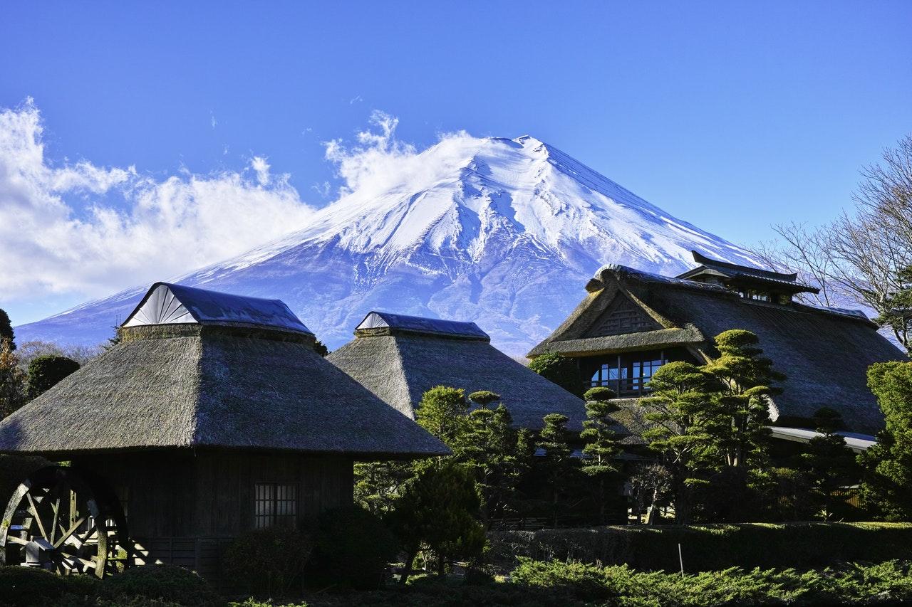 富士山と共に四季を楽しめるスポット